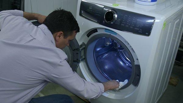 بوی ماشین لباسشویی
