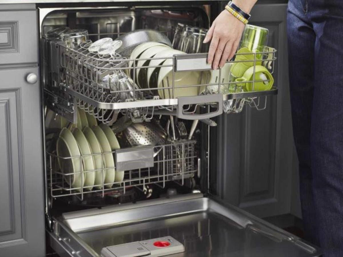 علت جمع شدن کف در ماشین ظرفشویی