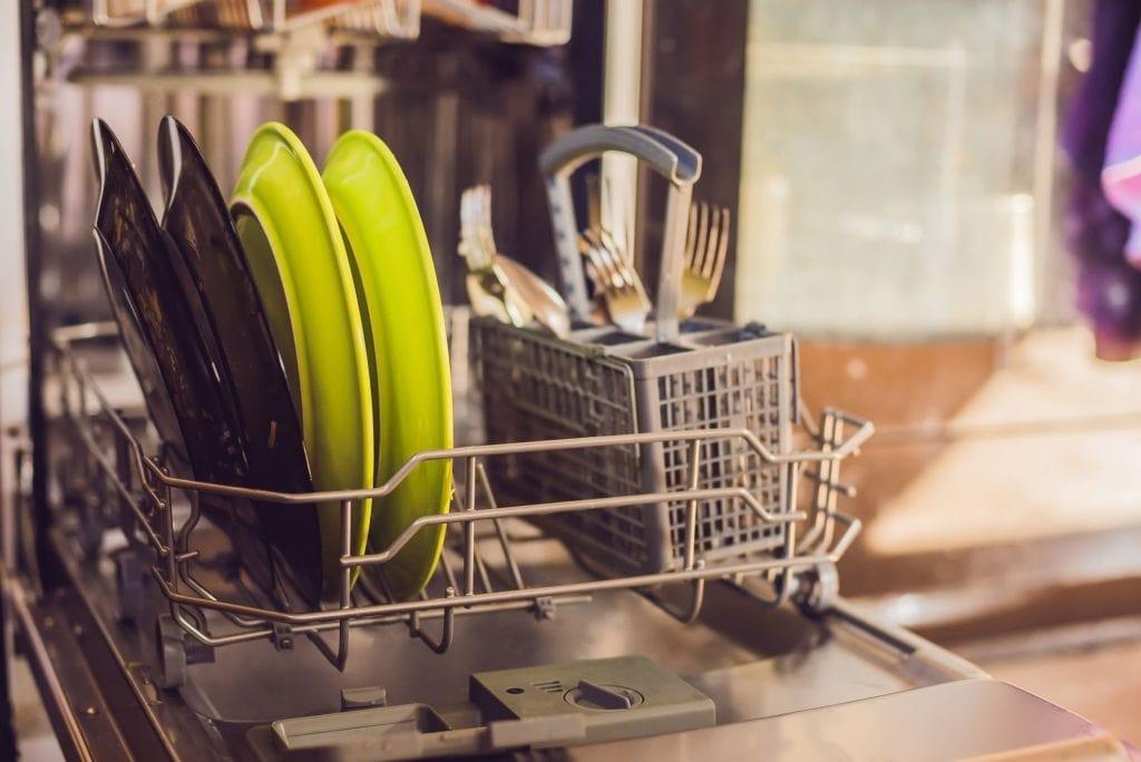 معایب استفاده نکردن طولانی مدت از ماشین ظرفشویی