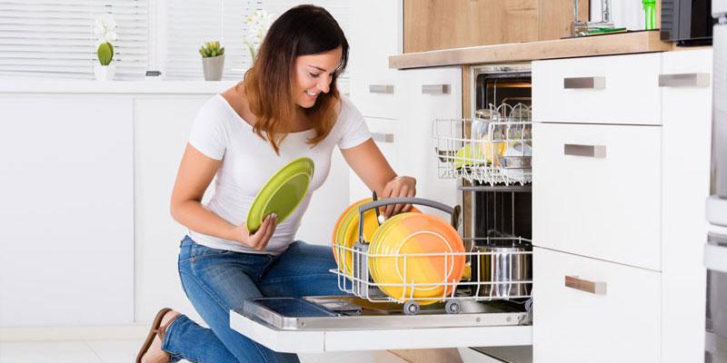 معایب استفاده نکردن از ماشین ظرفشویی